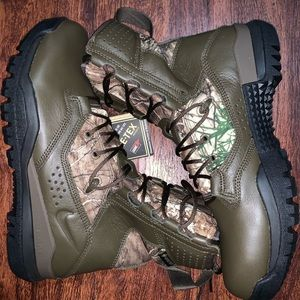 Nike SFB field 2 size 9 men